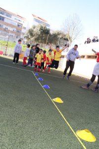 jogos de oeiras crianças praticando atletismo